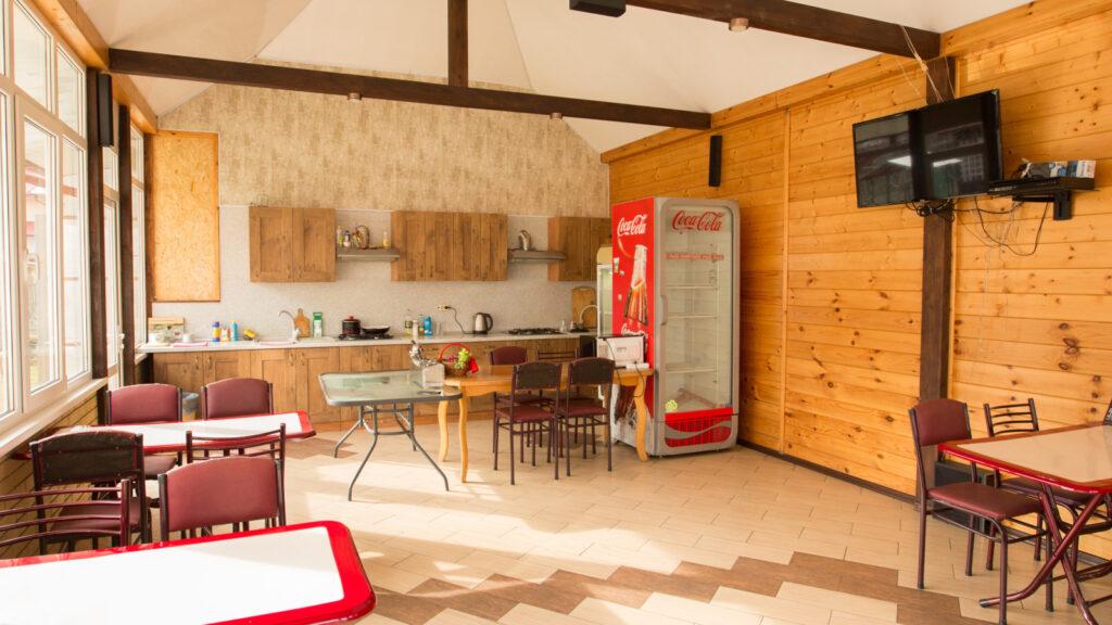 Кухня гостевой дом ЛИДЕР